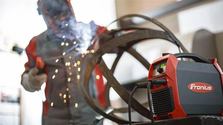 Fronius TransPocket doing welding